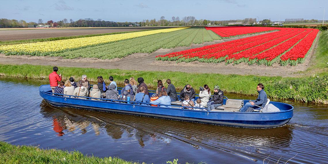 Boat tour of Keukenhof gardens