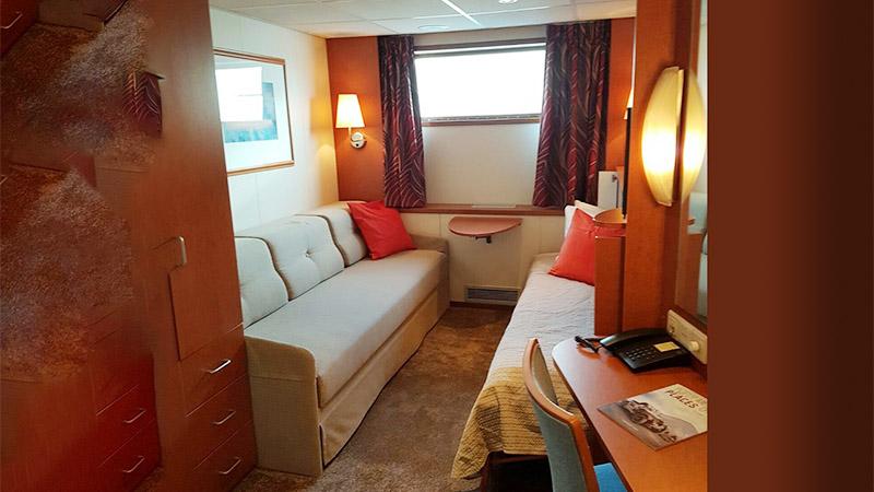 Lower-deck single cabin