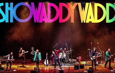 ShowaddywaddyOnStage