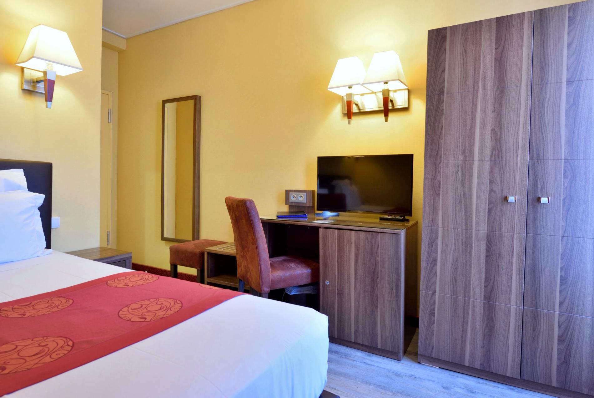 Twin Monaco Room
