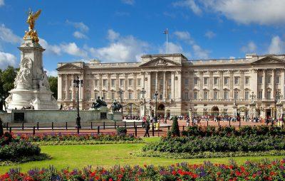 Buckingham-Palace-London-United-Kingdom-03-1080x1920